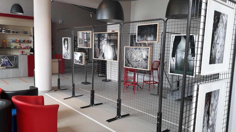 Exposition photos hall du Cinéma Lux