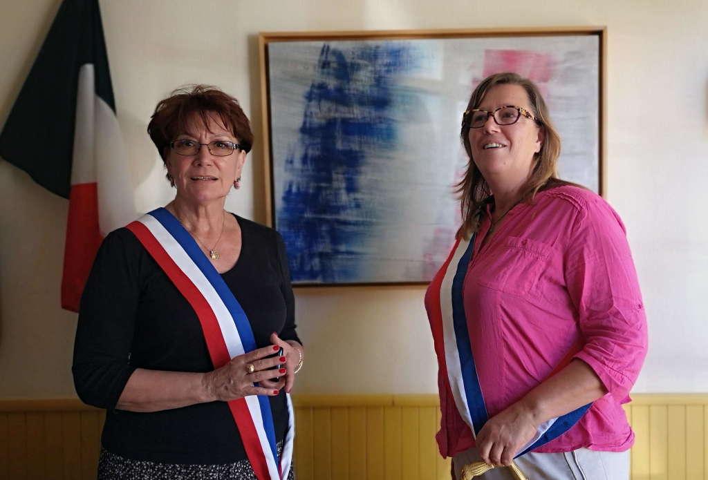 Prise de fonction de la nouvelle maire de Paleyrac, Eva Flores (à droite).
