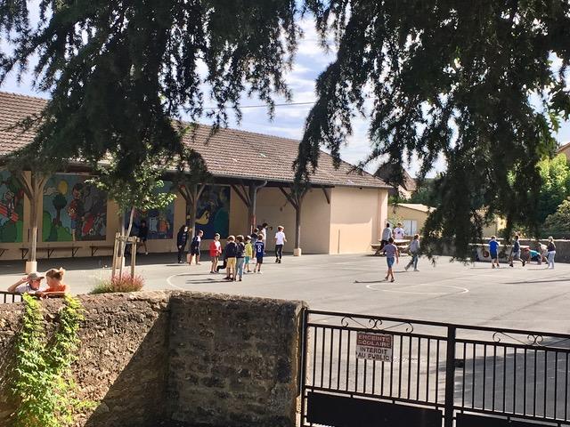 Les écoliers ont repris possession de la cour de récréation