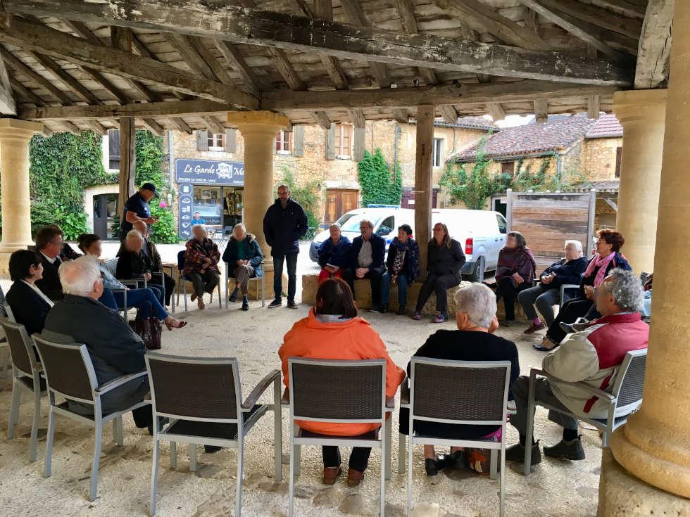 Réunion publique à Cadouin